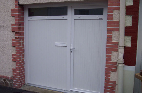 Pose porte garage stunning porte de garage coulissante for Porte de garage weigerding